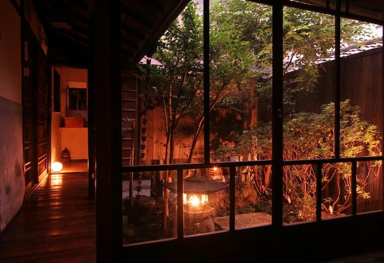 炬乃座梅小路宅邸飯店, Kyoto, 庭院