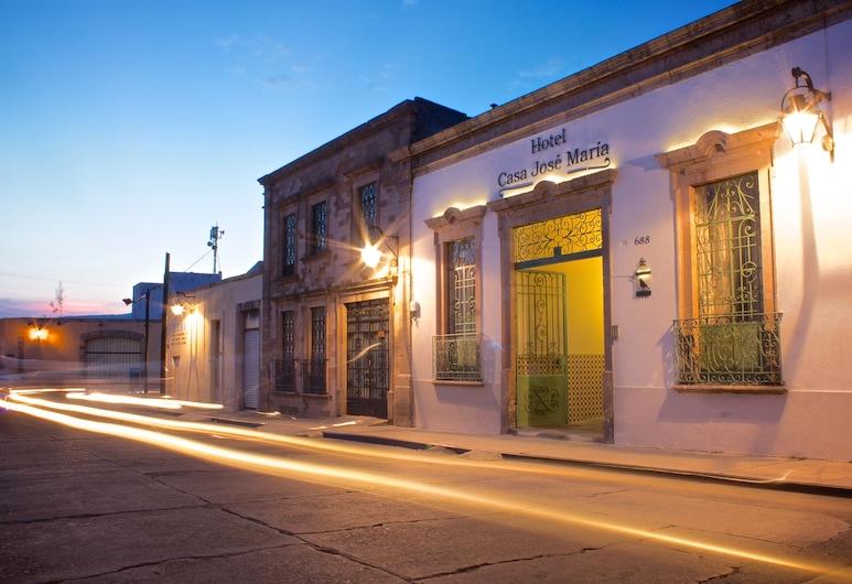 Casa Jose Maria Hotel, Morelia, Facciata hotel (sera/notte)