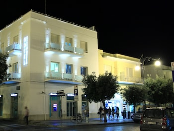 Enter your dates to get the Gallipoli hotel deal