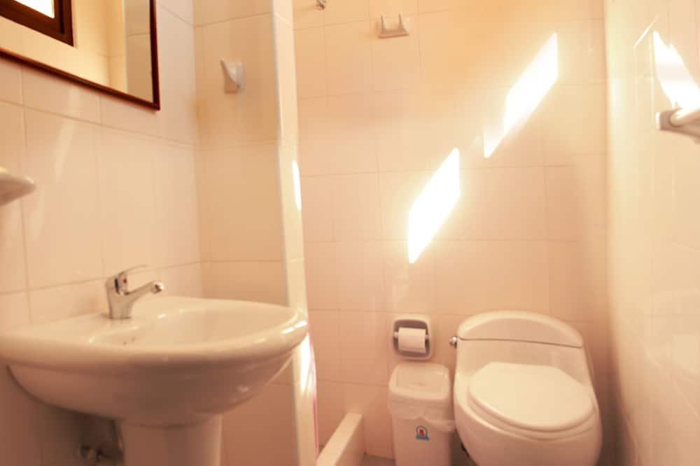 共用宿舍, 3 張單人床, 共用浴室 - 浴室