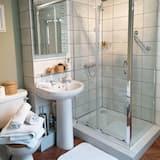Family Room, Ensuite - Bathroom