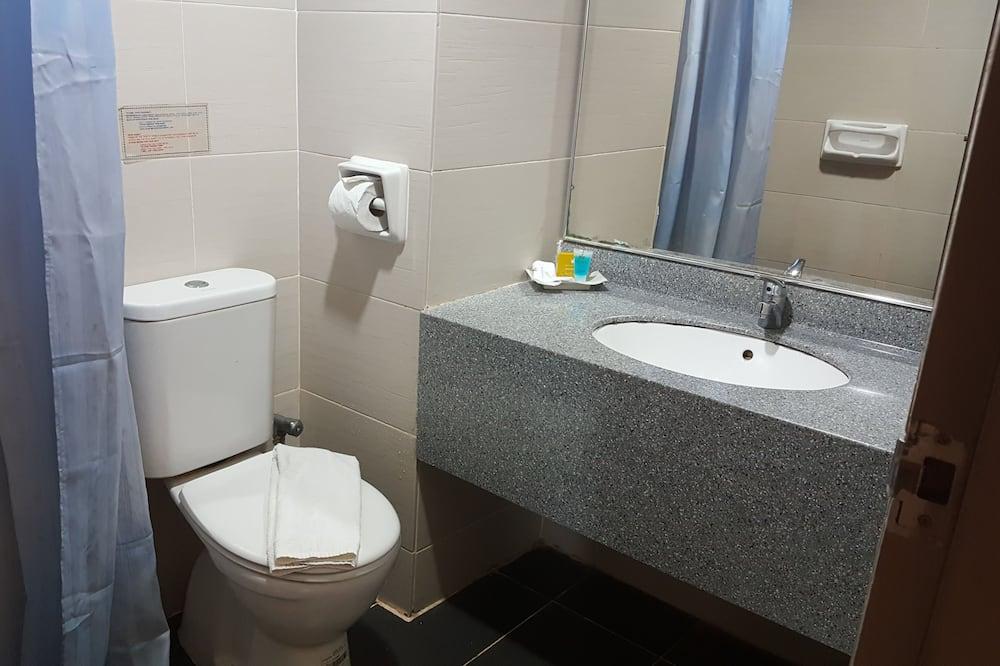 Standard szoba két külön ággyal - Fürdőszoba
