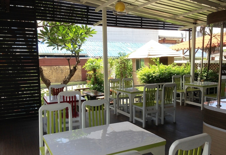 Yanadin Serviced Apartment, Chonburi, Terrace/Patio