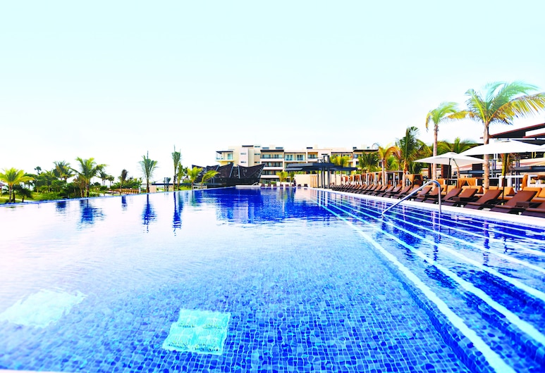 Royalton Riviera Cancun Resort & Spa - All Inclusive, Puerto Morelos, สระว่ายน้ำ
