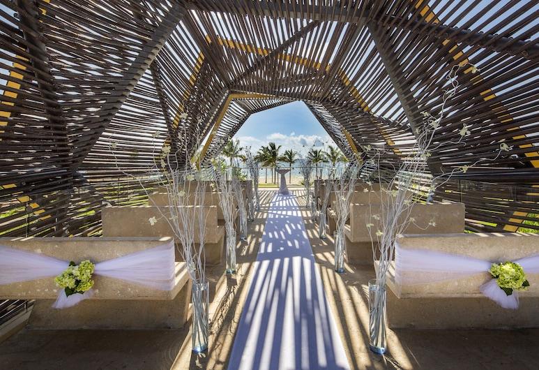 Royalton Riviera Cancun Resort & Spa - All Inclusive, Puerto Morelos, Outdoor Wedding Area