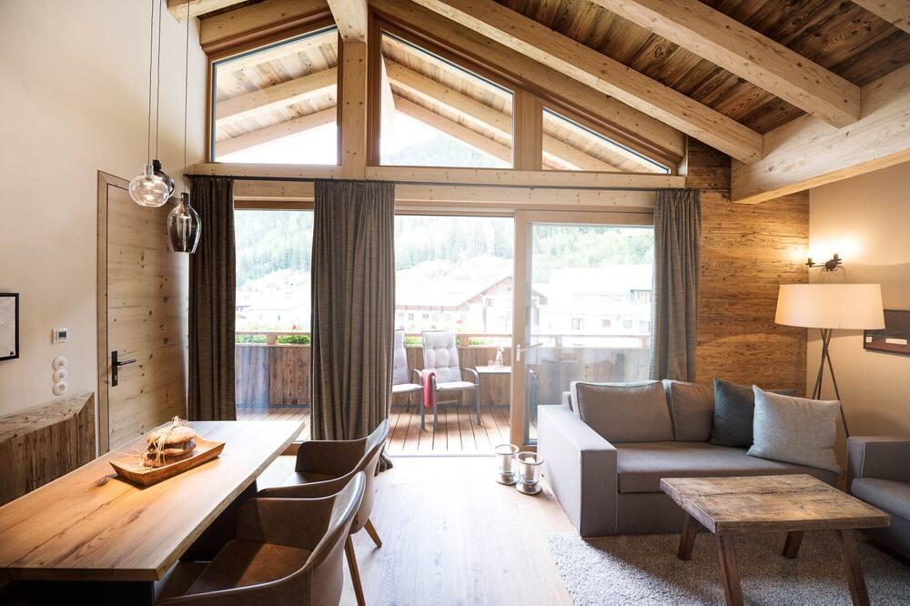 Улучшенные апартаменты, 2 спальни, балкон, вид на горы (inkl. Sauna) - Зона гостиной