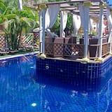 Suihkulähde uima-altaassa