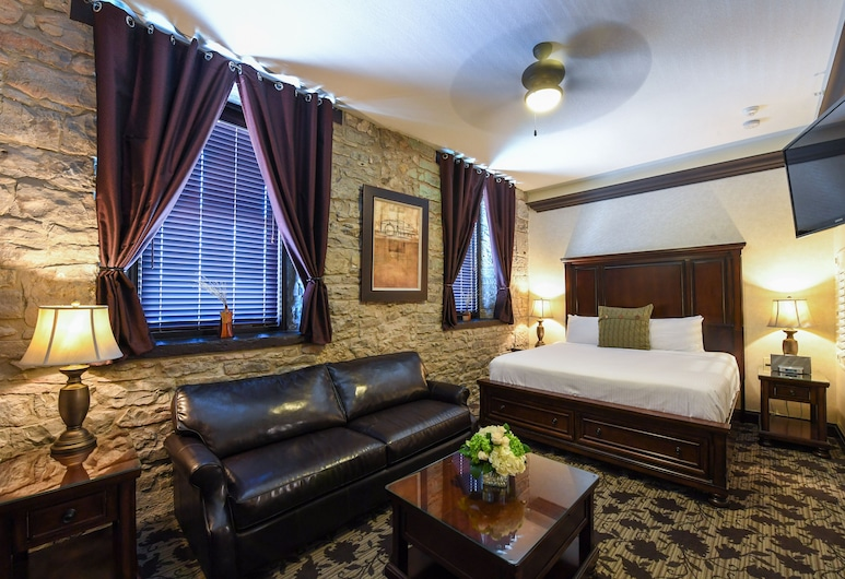 Stone Mill Inn, St. Catharines, Romantic Suite, Jetted Tub, Guest Room