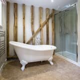 Classic Double Room, Ensuite (The Smithy) - Bathroom