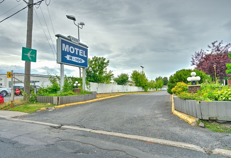 Motel R-100, Longueuil