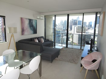 Picture of Harbour Escape Apartments in Docklands