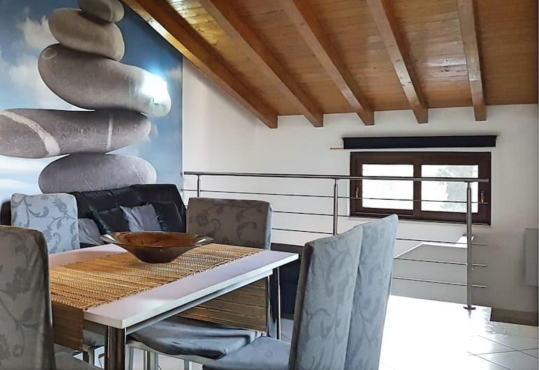 Verona apartment holidays, Verona, Deluxe apartman, 2 spavaće sobe, čajna kuhinja, vrt, Soba