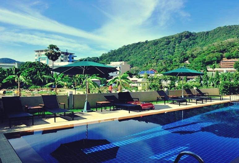 더 오키드 하우스, 카론, 야외 수영장