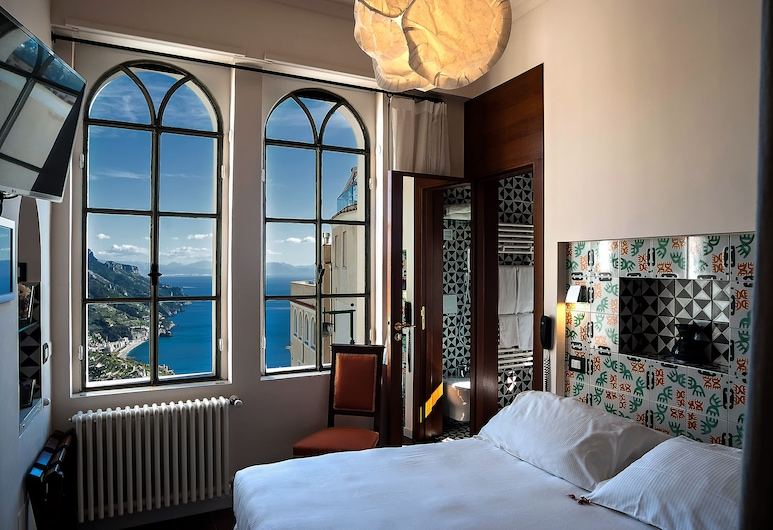 查姆拉摩爾斯卡之家飯店, 拉斐洛