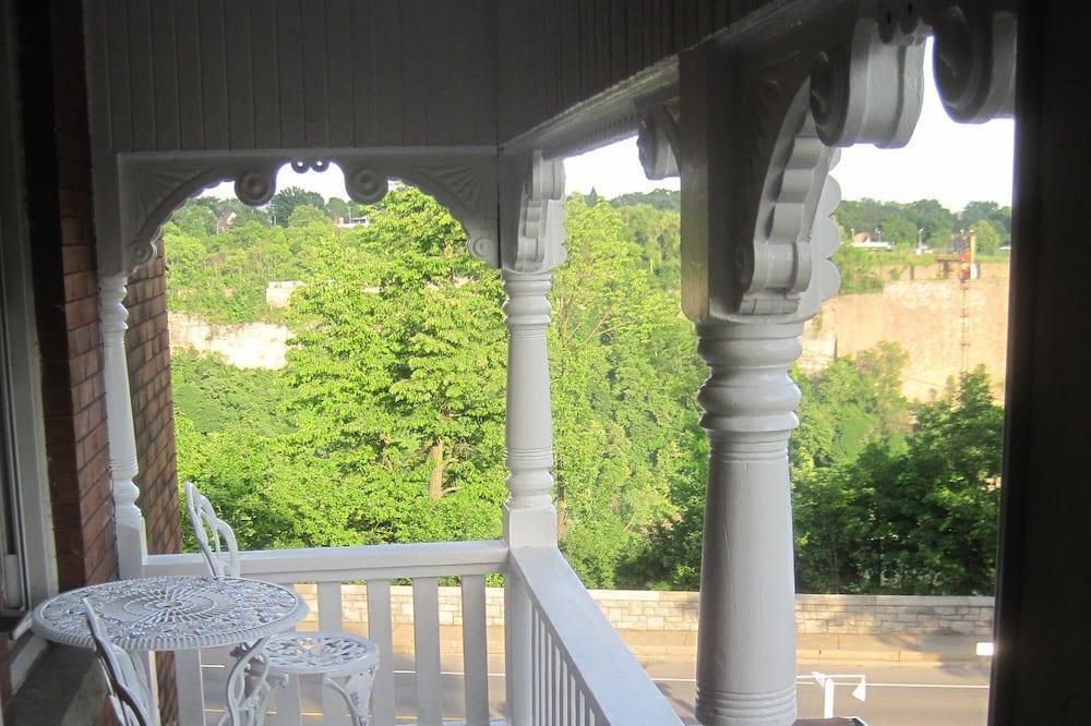 Premium Room, 1 King Bed, Balcony, River View - Balcony