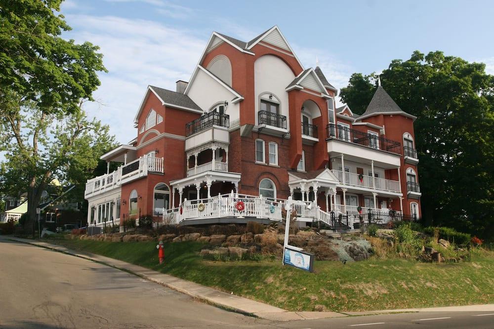Niagara Grandview Manor, Niagara Falls