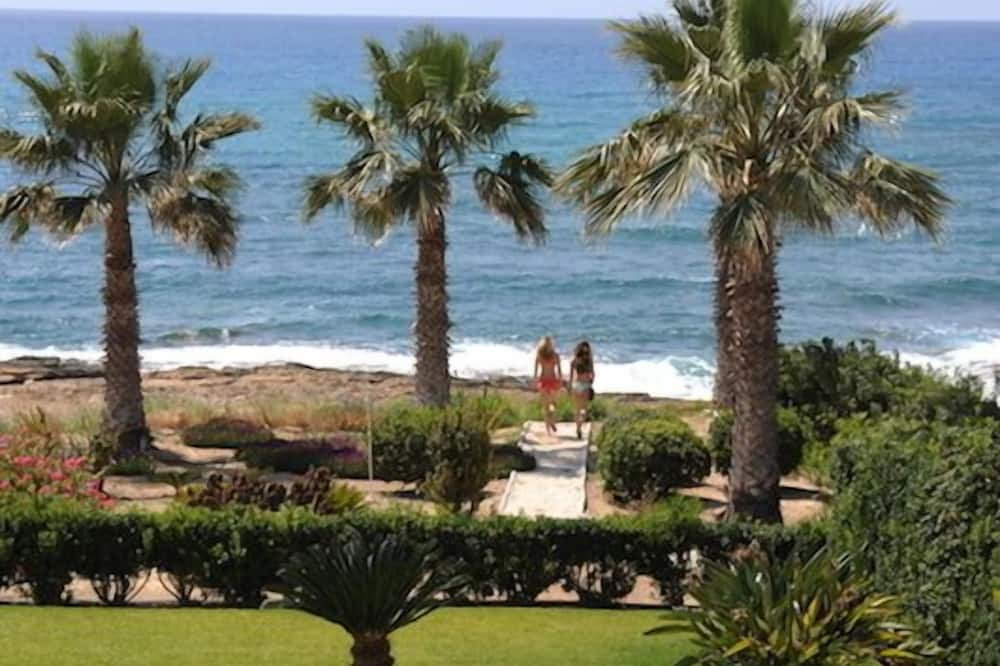 Exclusive Villa, 3 Bedrooms, Private Pool, Beachfront - Imej Utama