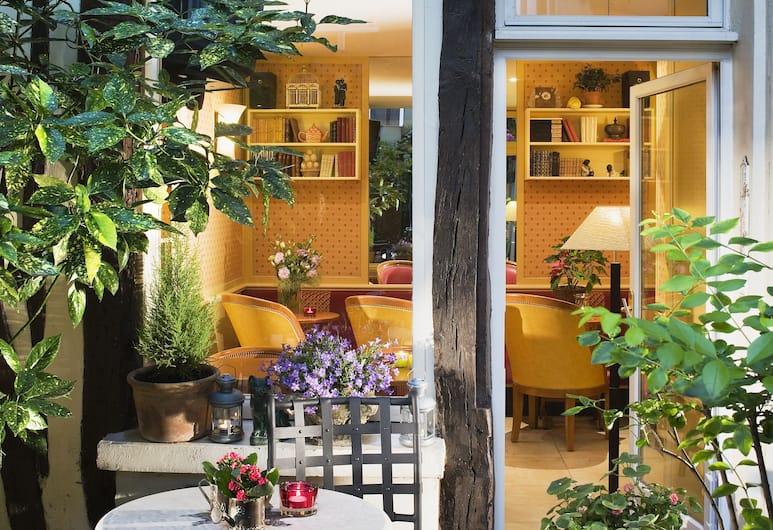 Hotel d'Albion, Paris, Utendørsservering