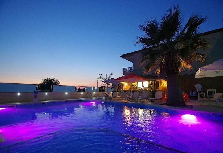 Principal New Leisure Hotel, Katerini, สระว่ายน้ำ
