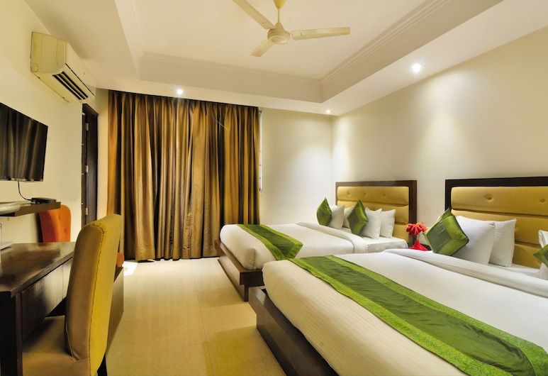Hotel Aura, IGI Airport, New Delhi, Family Room with Airport Pick-up, Guest Room View