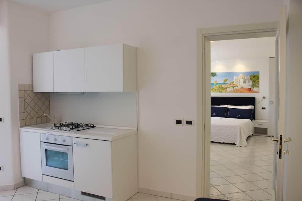 Family Apartment, 1 Bedroom, Kitchenette, Garden View - Mini Refrigerator