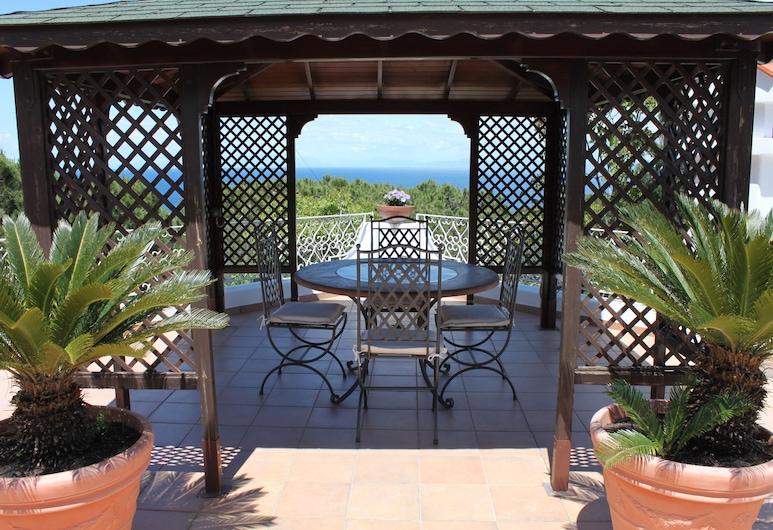 Villa Marinella, Casamicciola Terme, Terasa / vidinis kiemas