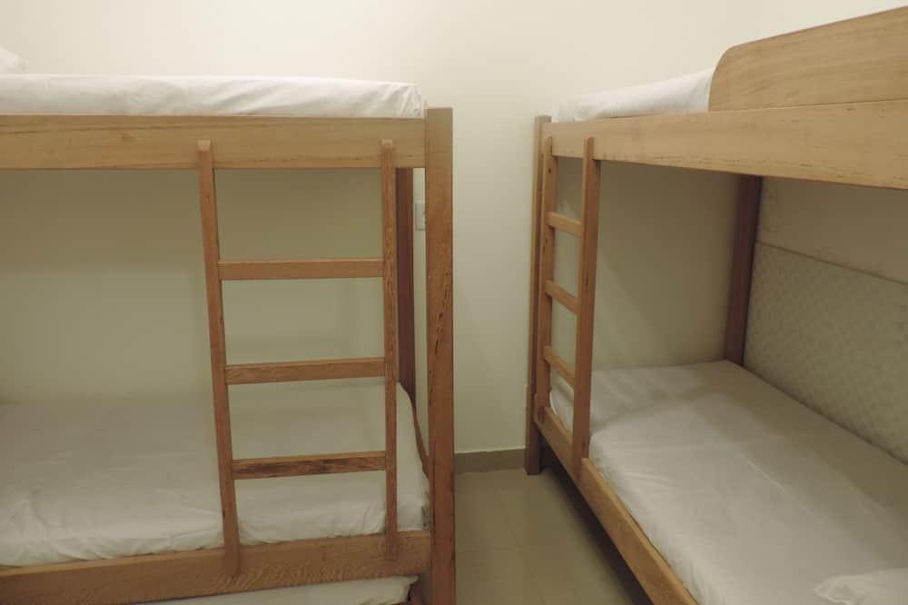 Cama em Dormitorio Misto com 8 Camas - MILAO - Bathroom