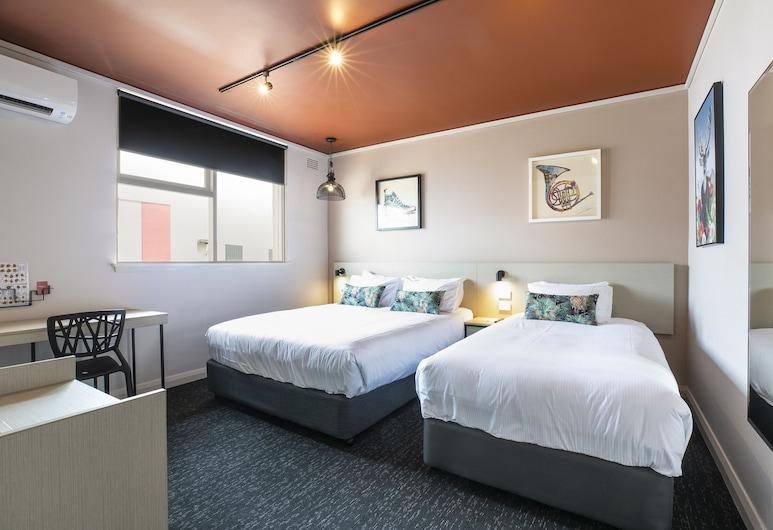 Nightcap at Fairfield, Fairfield Heights, Studio Queen & Single, Guest Room