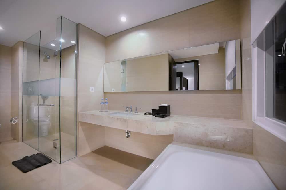 SPACE Room - Bathroom