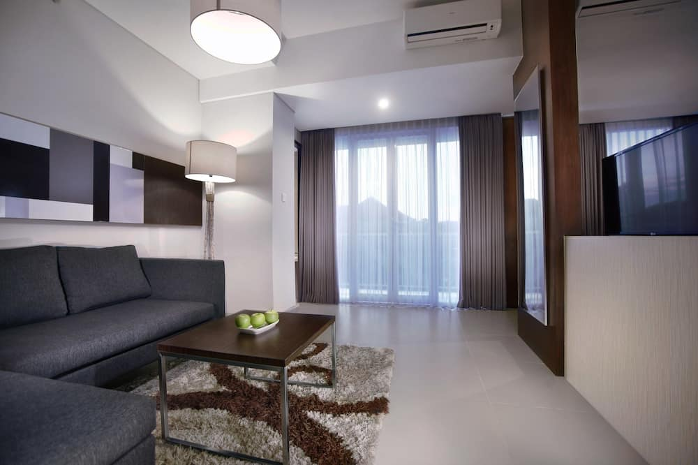 SPACE Room - Living Room