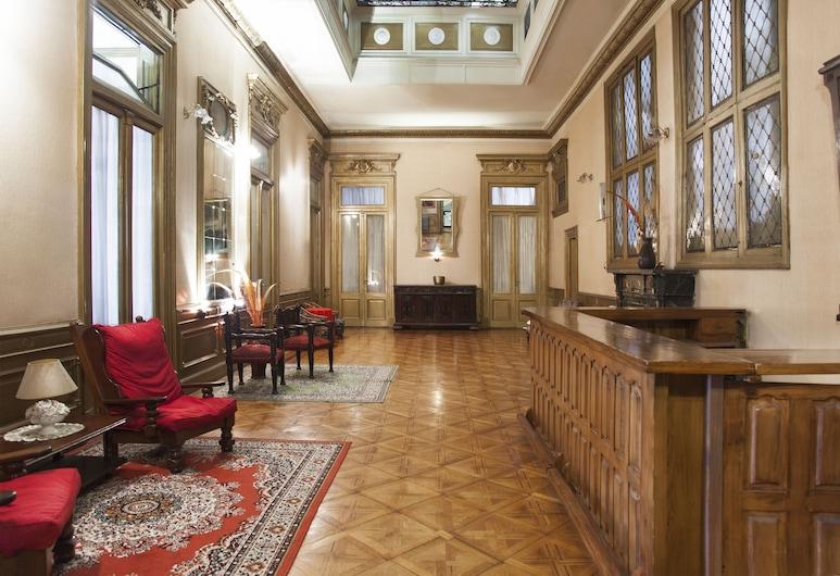 Hotel Reina, Buenos Aires, Rezeption