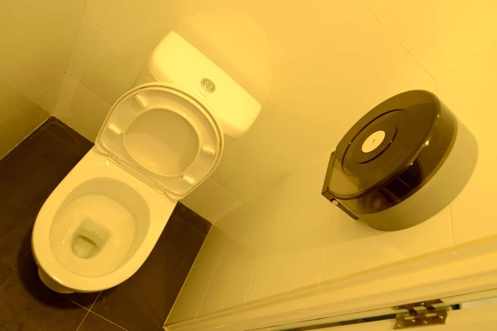 Single Bed in 10 Bedded Mixed Dorm, Shared Bathroom - Fürdőszoba