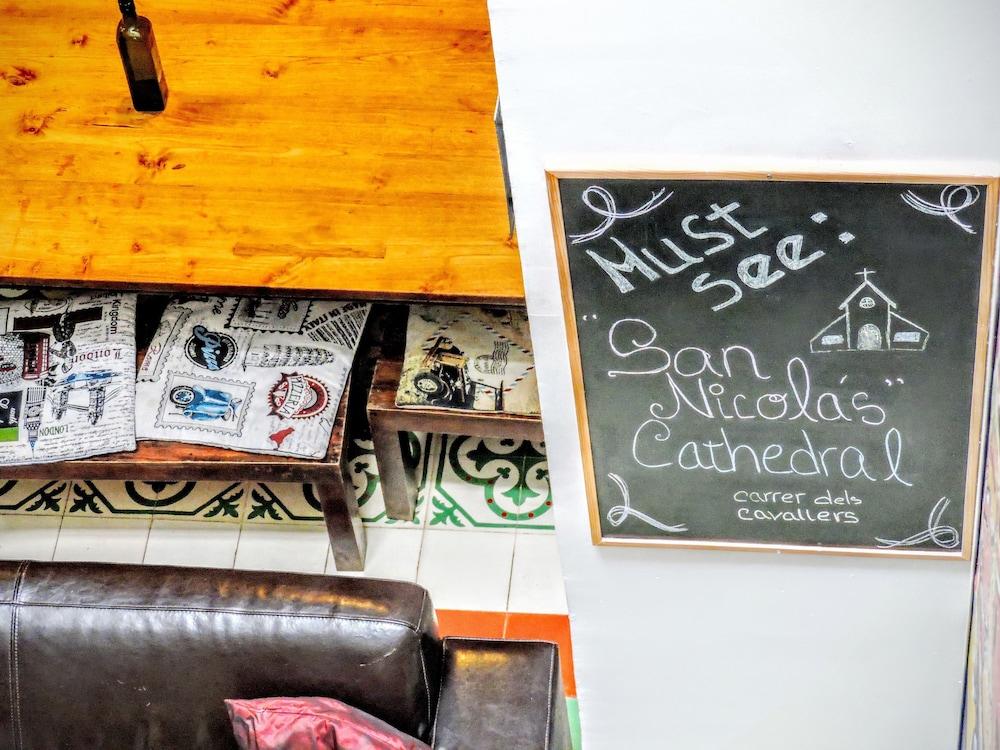 home youth hostel valencia