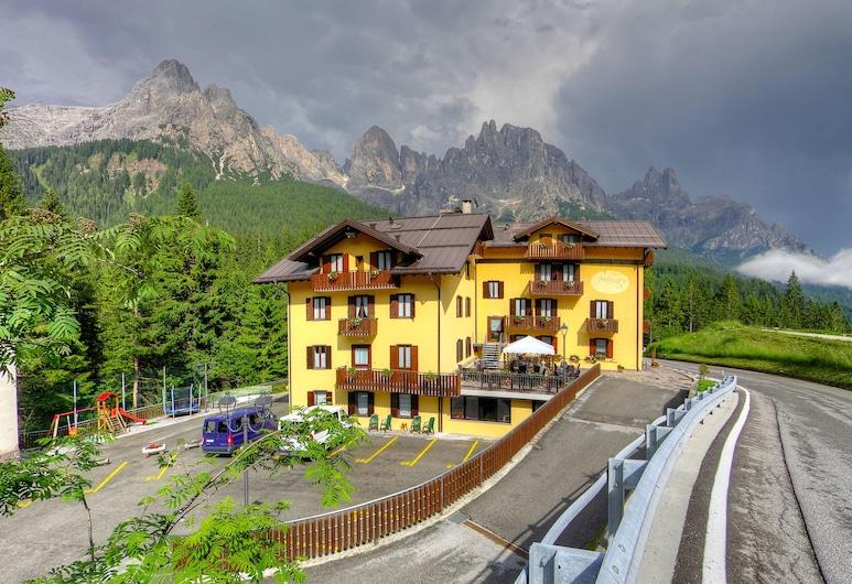 Hotel Fratazza, San Martino di Castrozza, Viešbučio fasadas