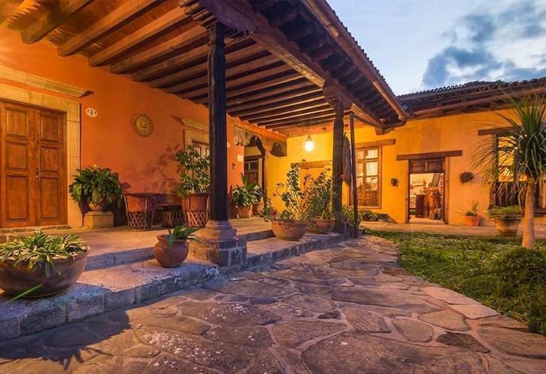 Meson de San Antonio, Patzcuaro, Courtyard
