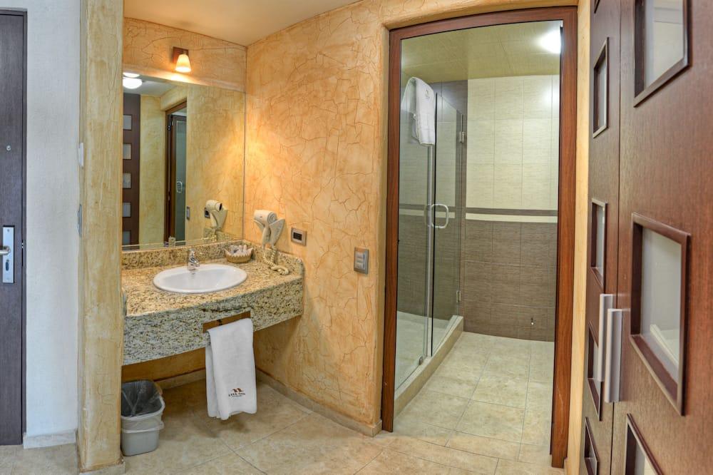 Žemesnės liukso klasės numeris, 2 didelės dvigulės lovos - Vonios kambarys
