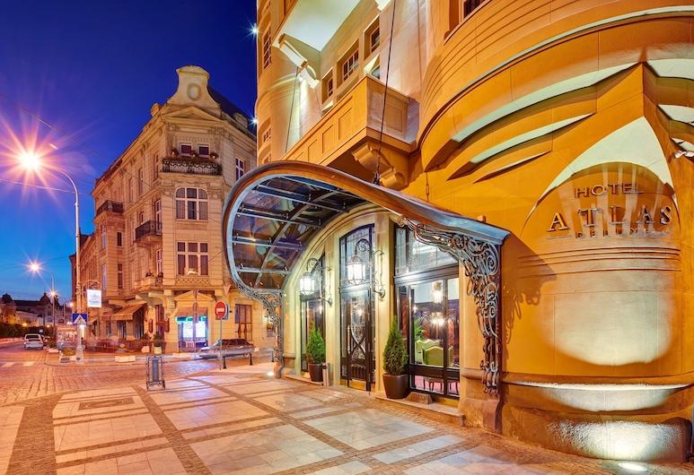 Atlas Deluxe, Lviv, Vnútorný vchod