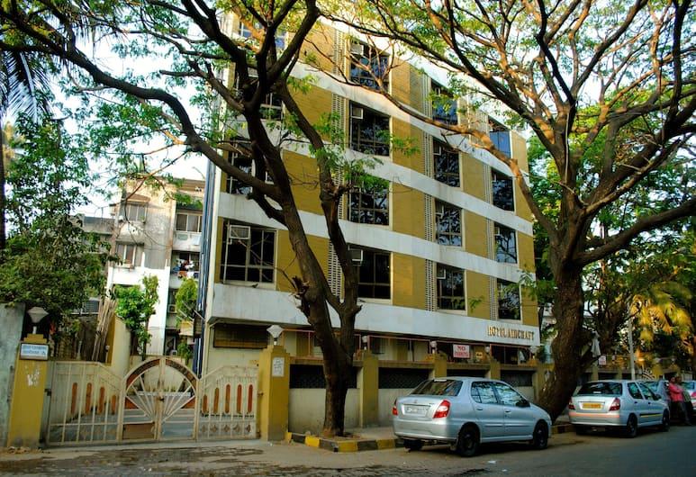 Hotel Aircraft International, Bombay