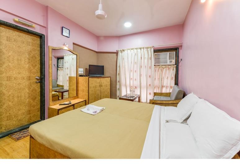Hotel Aircraft International, Mumbai, Executive Room, Living Room