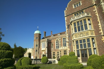 Picture of Madingley Hall in Cambridge