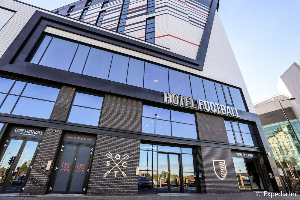 老特拉福德足球酒店, 曼徹斯特, 酒店入口