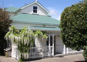 Introduce sus fechas y vea precios de hoteles última hora en Auckland