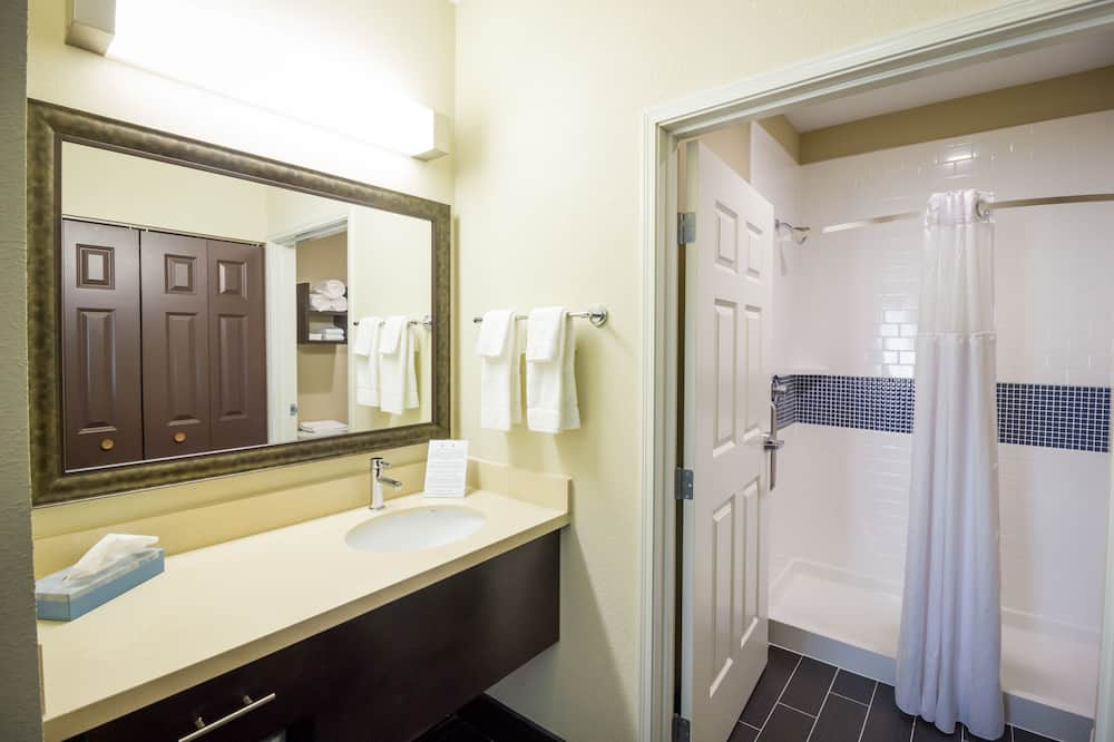Standard Room, Kitchen - Bathroom