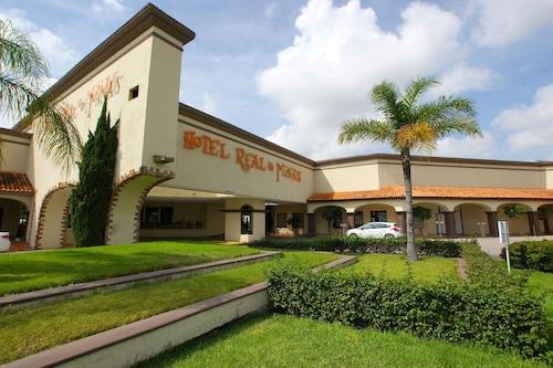 雷亞爾德米納斯聖路易斯波圖斯酒店/