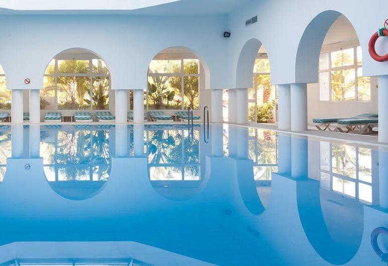 فندق عزيزة ثالاسو جولف, الحمامات, حمّام سباحة داخلي