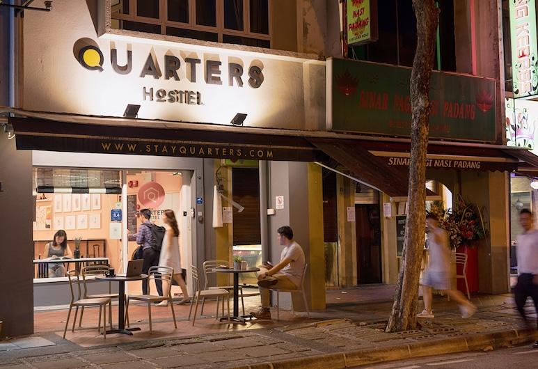 Quarters Capsule Hostel, Singapore