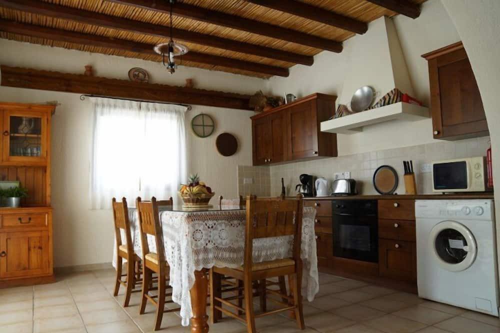 Vila, 2 kamar tidur, kolam renang pribadi - Tempat Makan Di Kamar