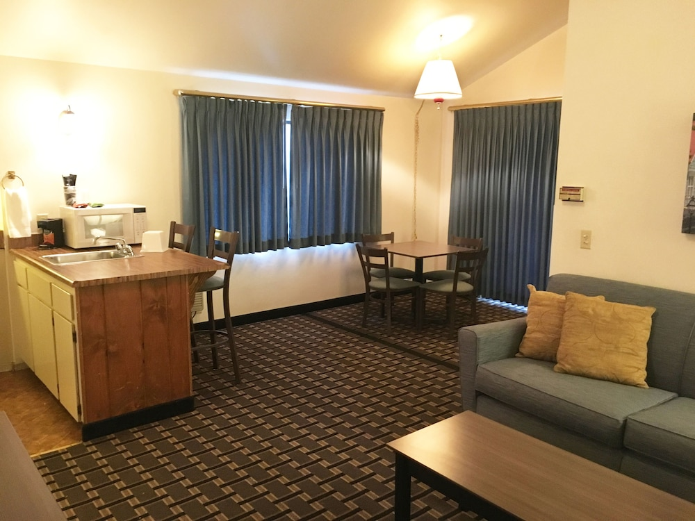 nevada city chat rooms Nevada city hotel rooms rooms with kitchenettes besides a comfortable queen sized bed, you can prepare an easy meal with a refrigerator, sink, microwave, toaster, coffee pot and hot plate in our kitchenettes.