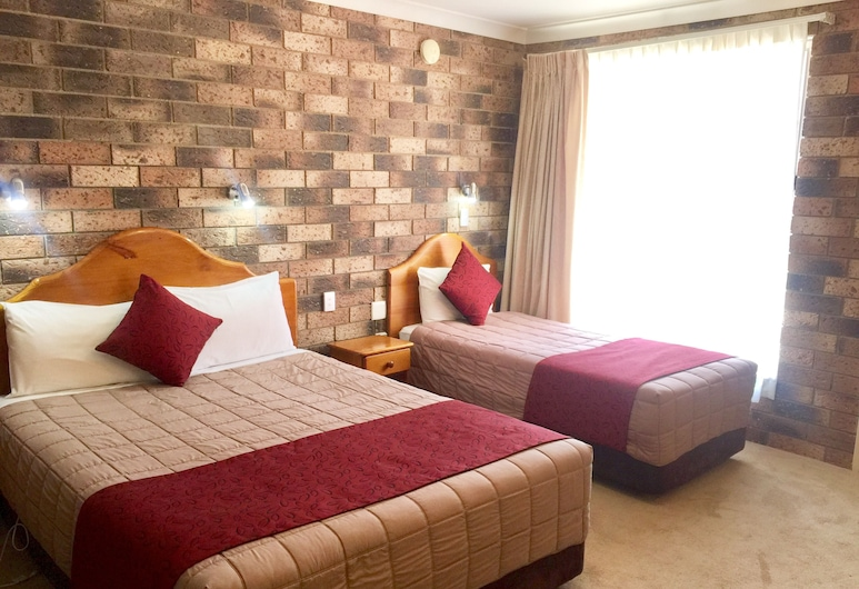 Gosford Palms Motor Inn, West Gosford, Deluxe Twin Room, Guest Room