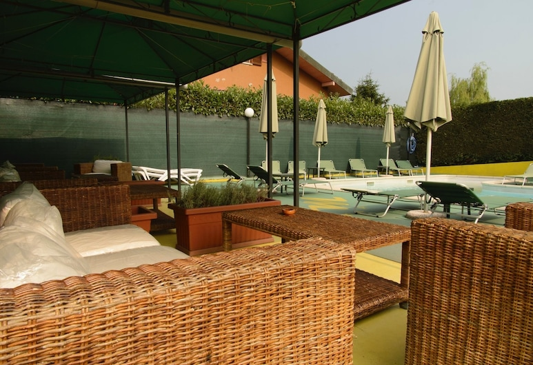 Hotel Residence S, Front, Poolbar